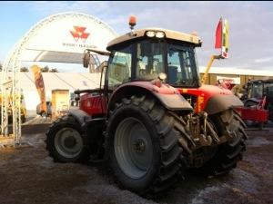 Massey 7615 tractor