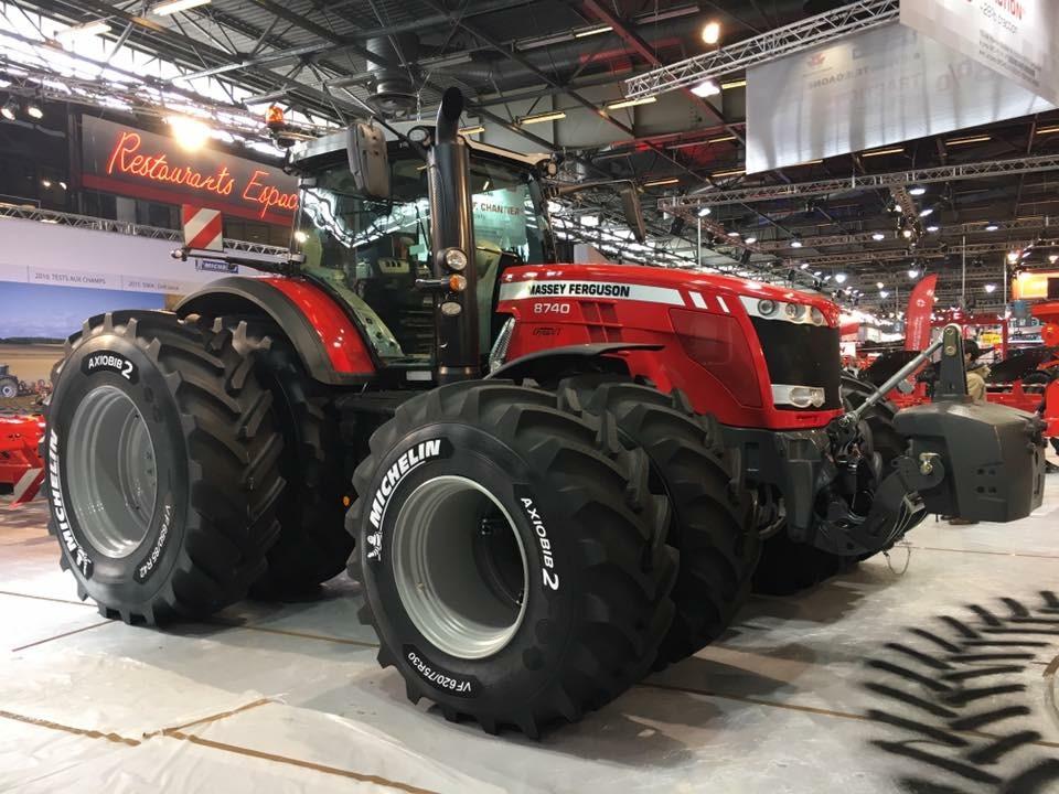 Massey Ferguson 8740 tractor