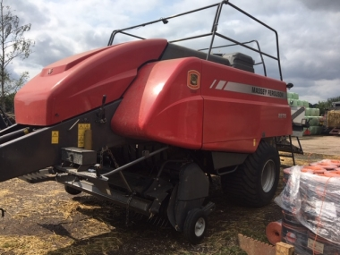 Massey Ferguson - MF2270 Big Square Baler