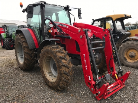 Massey Ferguson - 5711 & MF FL.3717X LOADER - photo 2