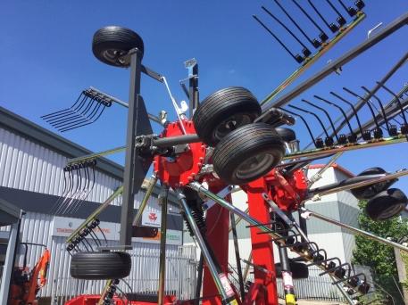 Massey Ferguson - MF RK762TRC Twin Rotor Rake - Brand New - photo 3