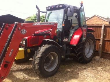 Massey Ferguson - 5455 c/w MF955 loader